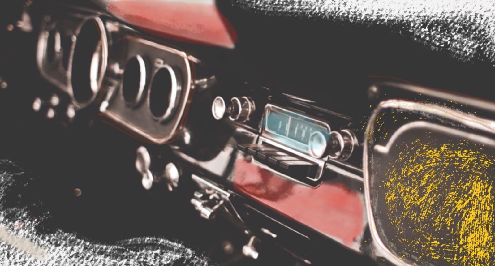 Cruscotto macchina d'epoca che richiama al io che esibisco-parlo di me stesso